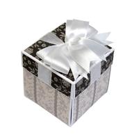 Открытка-коробочка черно-белый
